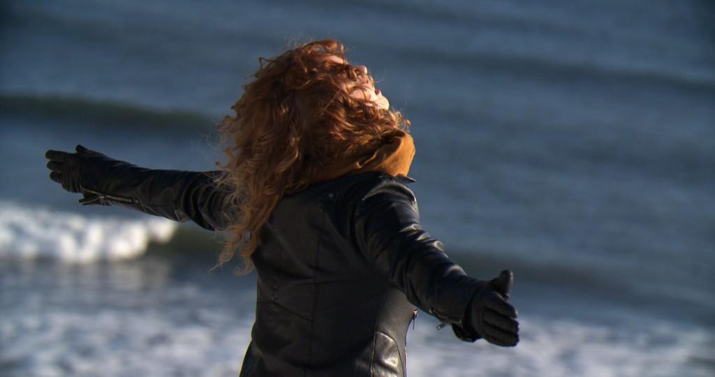 Annie Briggs as Leda Calder